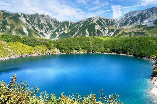 大きな池と湖の画像